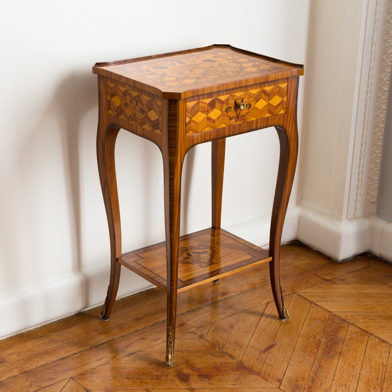 Pedestal table Brodat Transition style
