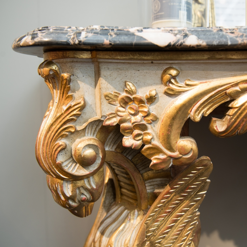 Console table Aigle encordé Louis XV style